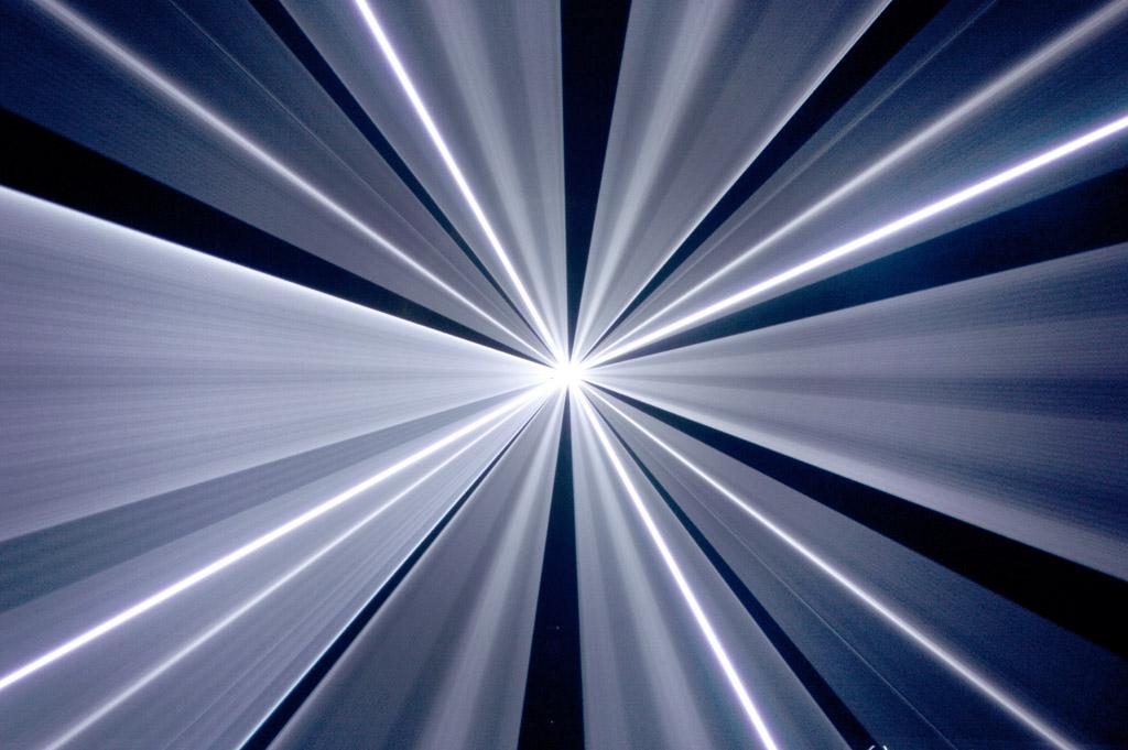 Laserworld_PL-10000RGB_beams-017